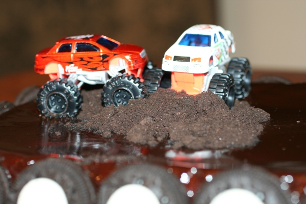 Monster-Truck-Cake-trucks