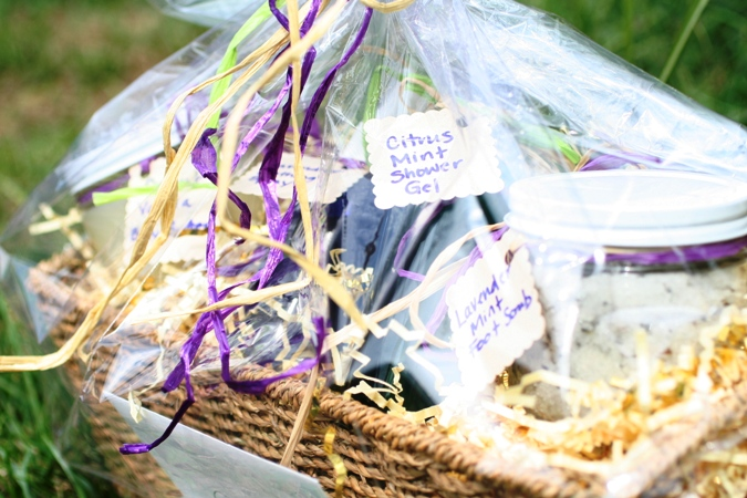 Mothers-Day-Gift-Baskets