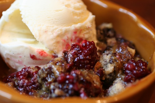 Fruit-Cobbler-alamode-close