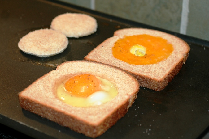 Egg-in-a-Hole-griddle