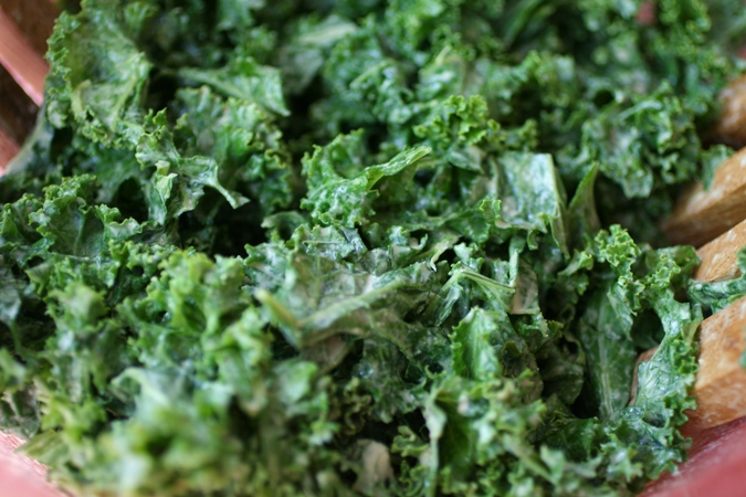 Kale-Recipes-Garlicky-Kale-whole-food-Copycat-Recipe-detail