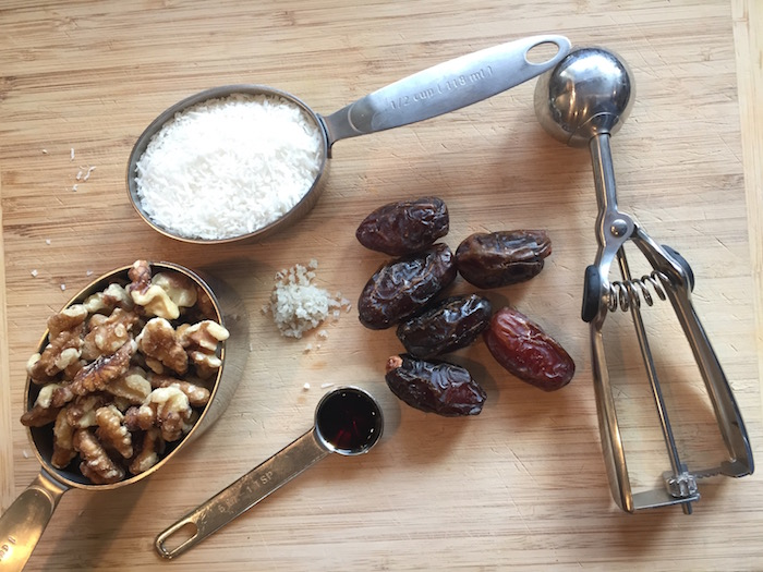 Coconut Date Balls ingredients