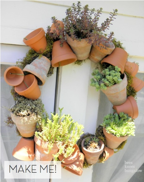 Terra-cotta pot wreath
