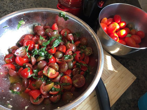 cherry tomatoes spiralizer