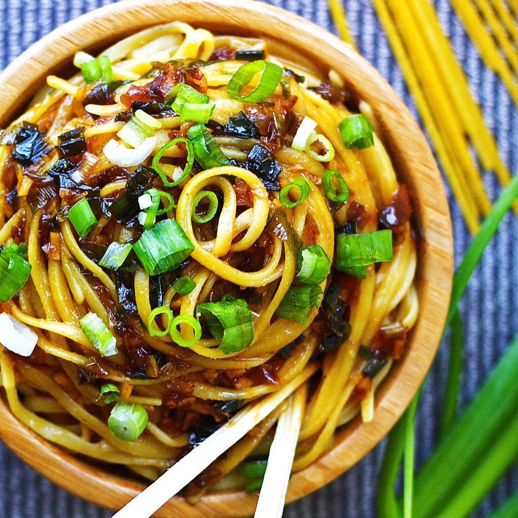 Sticky-Garlic-Noodles4-1024x1024